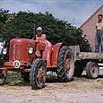 094  Holger G. på traktor, og Peter