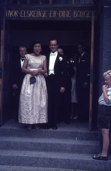 267  Bodil og Bjarne ved Annie og Gunnars bryllup