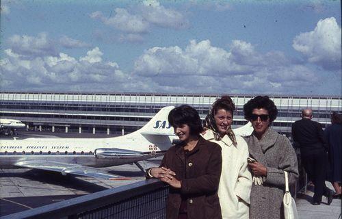 286  Charlotte, Annie og Bodil ved Karens afrejse til USA