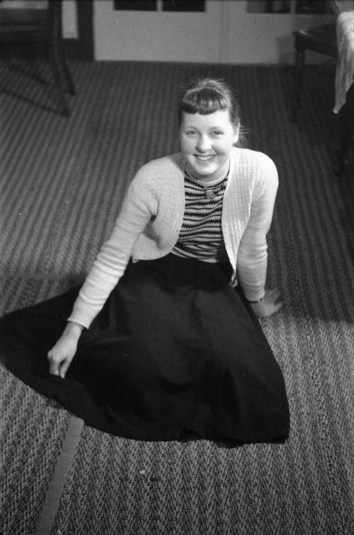 196  Annie som ung pige på Gadegård