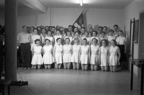 204  Dameholdet og karleholdet i Bodilsker 1955
