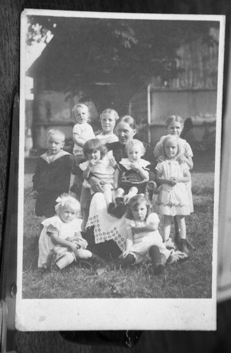 530 Mormor på Skovgård med 9 børnebørn