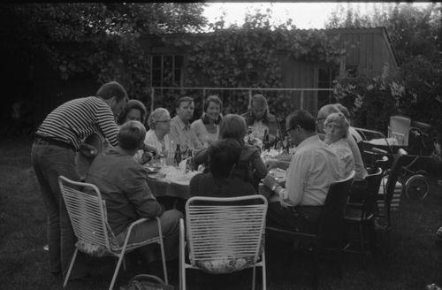 167 Frokost i haven til Søndergade 38