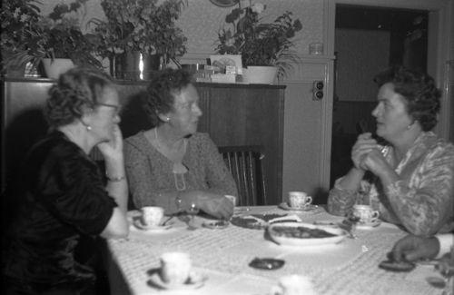 100 Tante Agnes - Gerda N P - Valborg